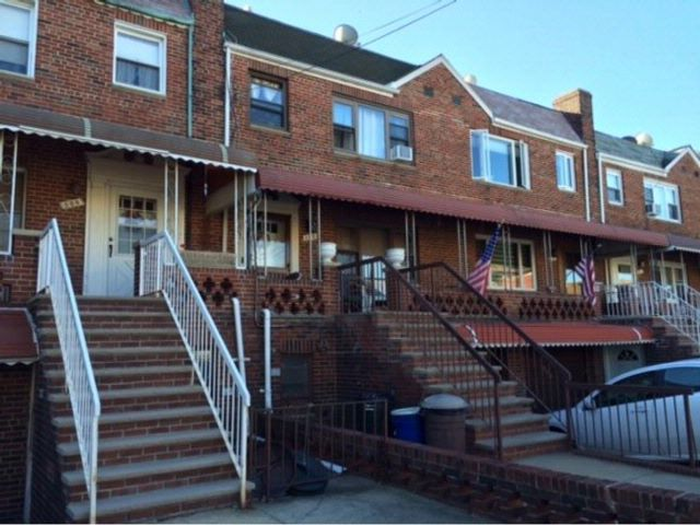 4 BR,  2.50 BTH  Duplex style home in Dyker Heights